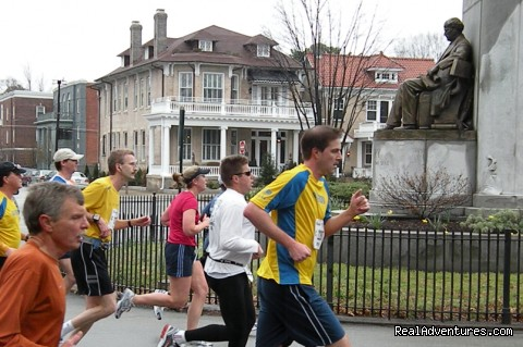 Richmond Running Races - Maury Place at Monument
