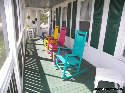 Harlequin Porch at Barclay Cottage B&B - Rekindle Romance in Virginia Beach Bed & Breakfast