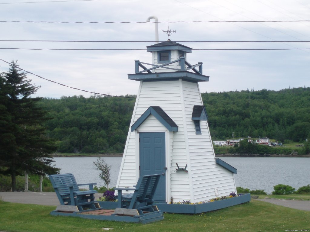 Lighthouse | Image #13/15 | Cove Motel & Mariner Dining Room
