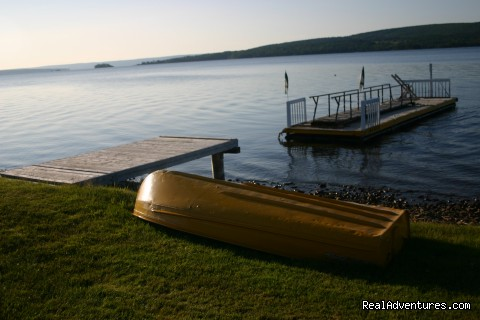 Cabot Trail Motel: SHORE View with Dock