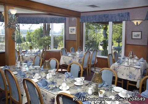 Dining Room - Auberge Gisele's Inn