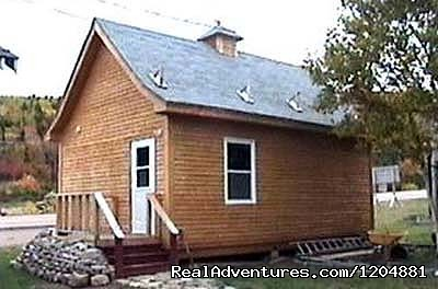 10 bed bunkhouse. - Cabot Trail Backpackers Hostel