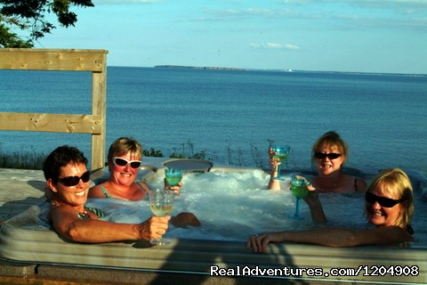 Newest Oceanfront hot-tub - Cape Breton Resort / Cottages Luxury Oceanfront