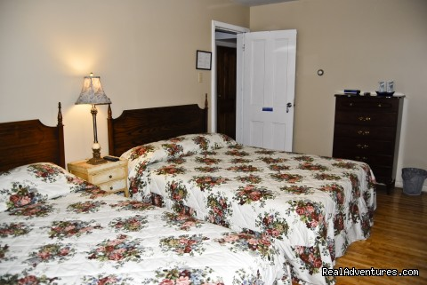 Pier 8 - 2 Queen Beds & Wheelchair access - B&B Inn overlooking the gateway to Newfoundland
