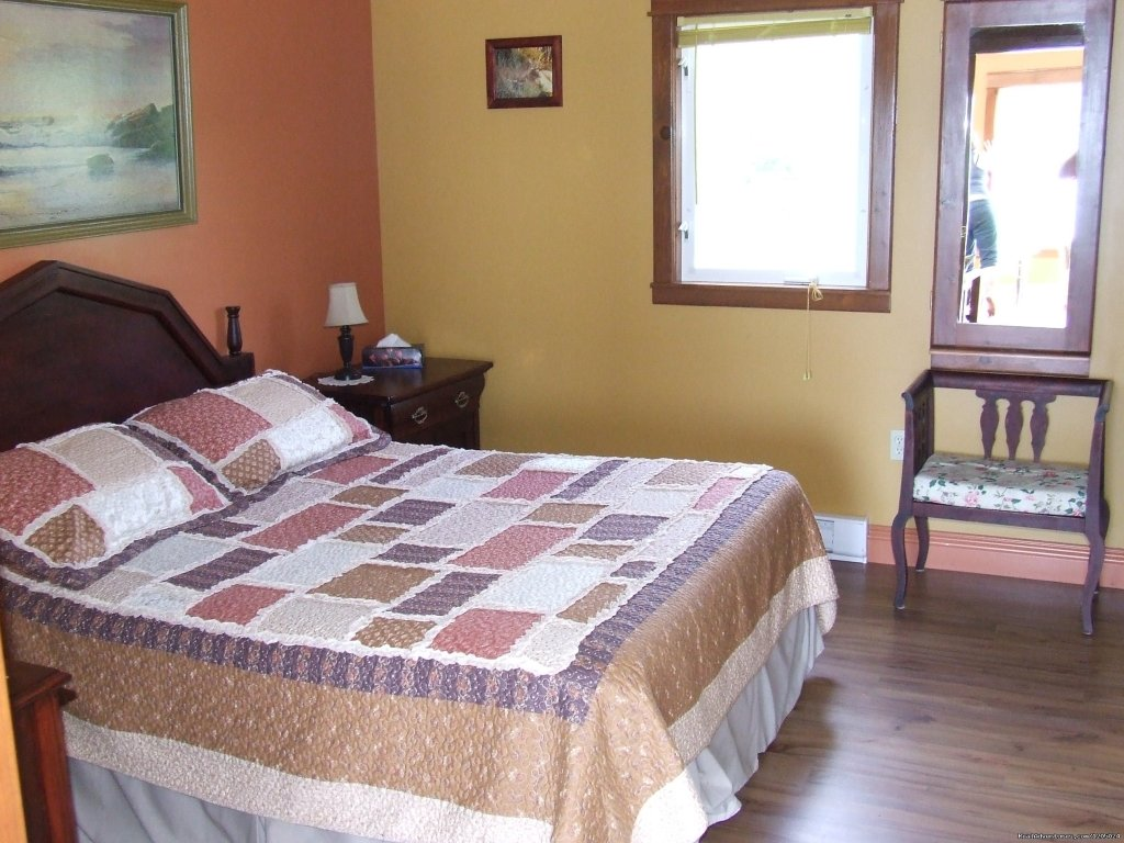 Cottage Bedroom | Image #2/4 | Birchill Bed & Breakfast and Guest House