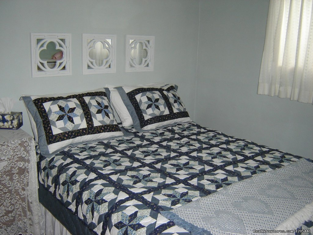 Backroads B & B, Guest House,'Grannies Room' | Image #6/11 | Guest House At Backroads Bed & Breakfast