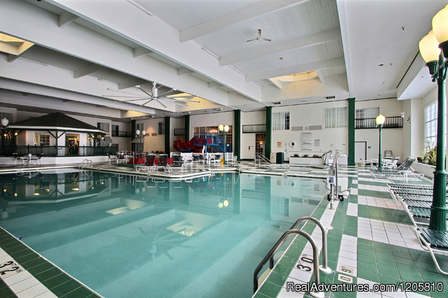Indoor Pool & Recreation Area - Comfort Suites Appleton Airport