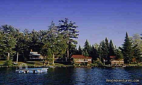 Evergreen Lodge: Lake Front Cabins