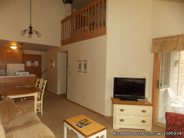 2-Bed Deluxe- wood view or courtyard view - Waterbury Inn