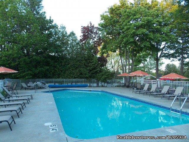 Outdoor pool - Waterbury Inn
