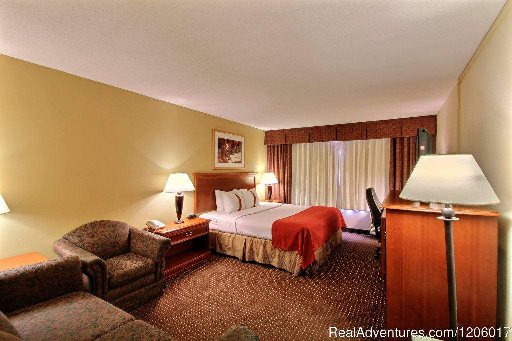 King Guest Room | Image #10/10 | Holiday Inn