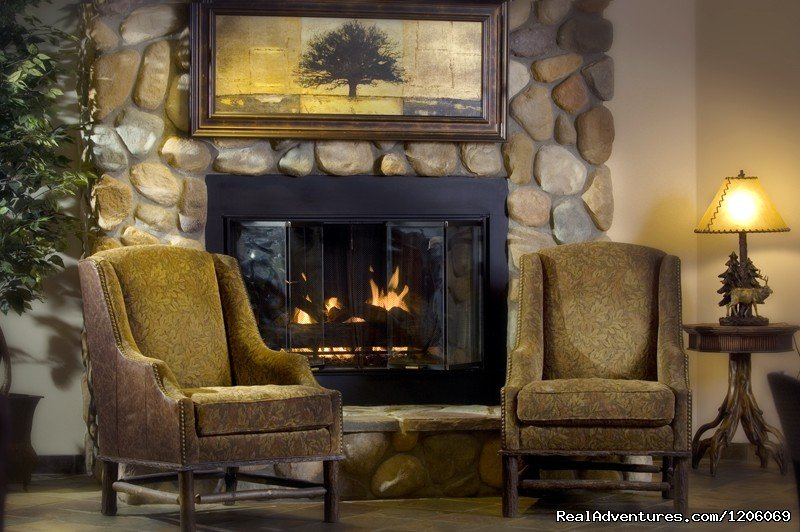 Comfort Suites lobby fireplace | Image #2/5 | Comfort Suites comfortable, friendly place to stay
