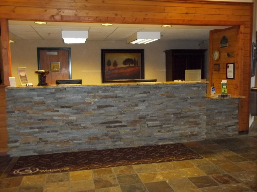 Comfort Suites front desk | Image #3/5 | Comfort Suites comfortable, friendly place to stay