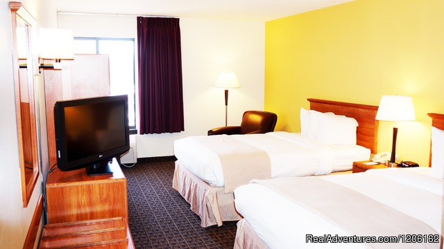 Two Bed Guest Room - AmericInn Madison West