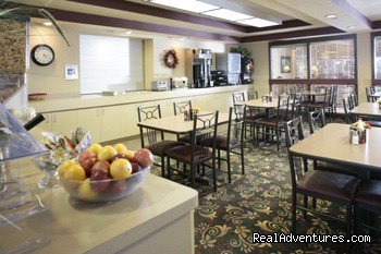 Best Western East Town Suites - Breakfast Room - Best Western East Towne Suites