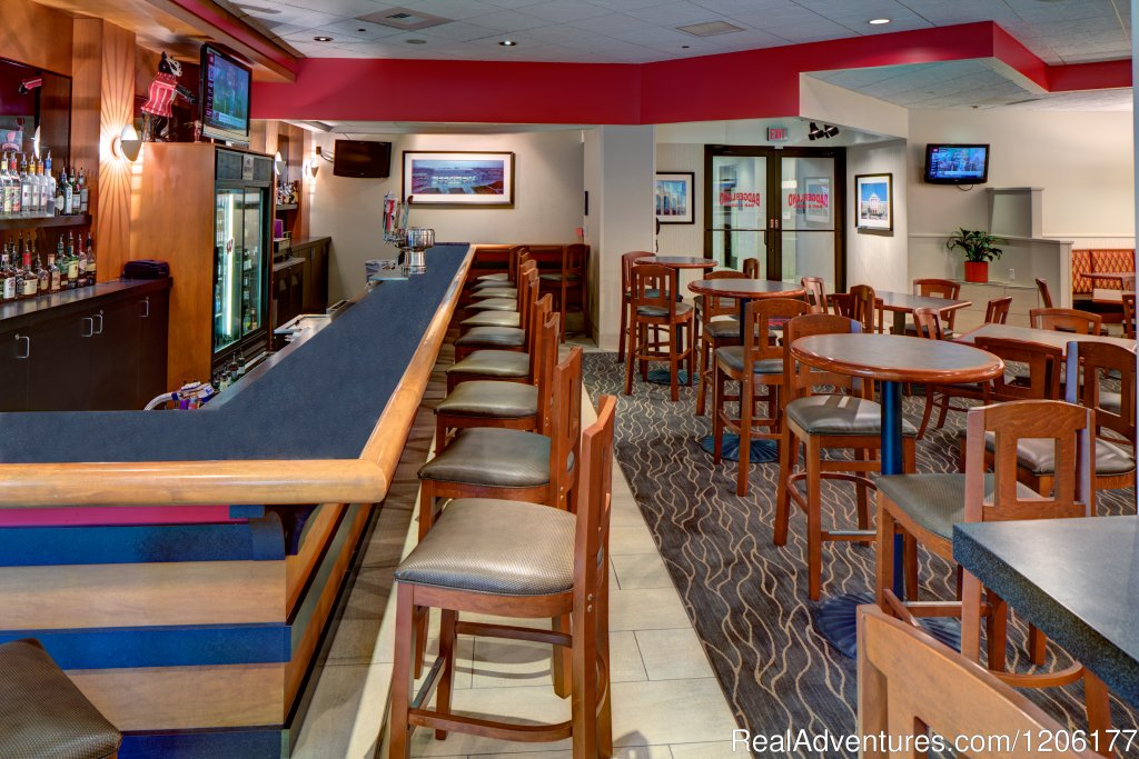 Badgerland Bar & Grill | Image #4/7 | Doubletree by Hilton Madison Downtown