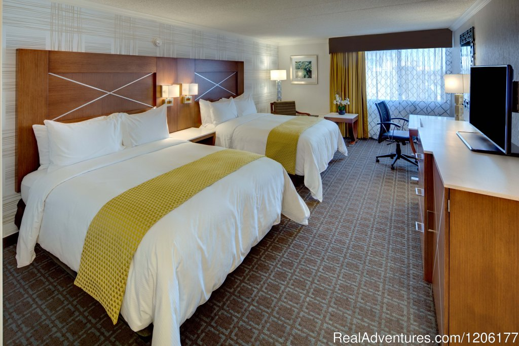 Double Queen Room | Image #5/7 | Doubletree by Hilton Madison Downtown