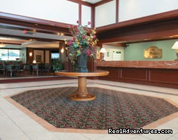 - La Quinta Inn & Suites