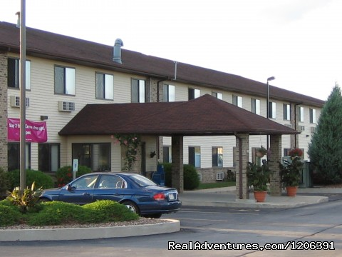 Front Exterior - Quality INN