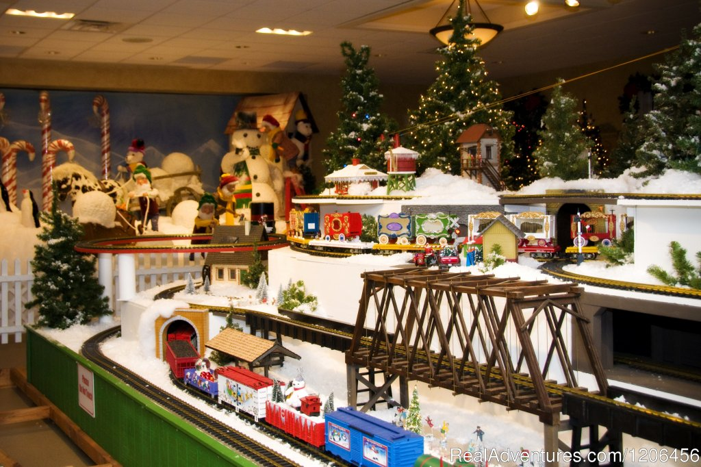 Christmas Village | Image #9/11 | Country Springs Hotel