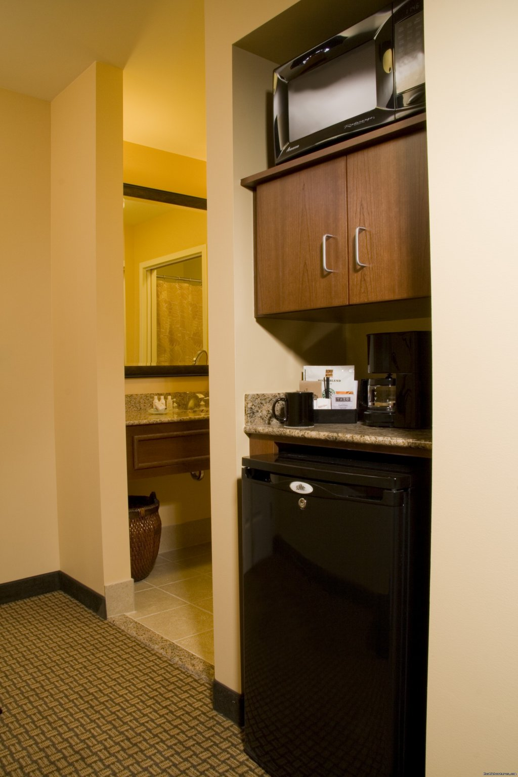 In-room refrigerators and microwaves | Image #9/15 | The Jefferson Street Inn - Comfortable Elegance!