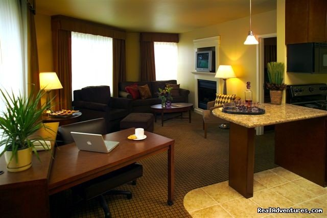 North Ultimate Suite Living Area, fireplace | Image #10/15 | The Jefferson Street Inn - Comfortable Elegance!
