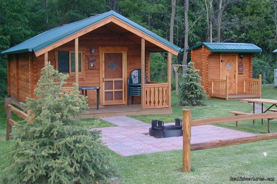 Deluxe Cabins | Image #5/21 | Silver Springs Campsites Inc