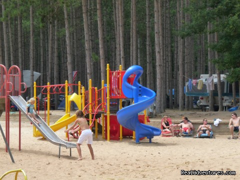 Flanagan's Pearl Lake Campsite: Playground