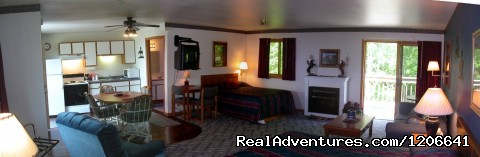 Western Family Suite - Village Inn on the Lake/Badger Park RV Sites