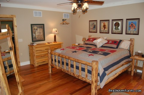 Compton Hollow Room (#18 of 19) - Blackberry Creek Retreat B&B