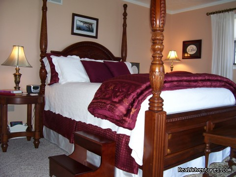Virginia Waterside Room at Anchor Inn on the Lake (#6 of 12) - Anchor Inn on the Lake Bed & Breakfast
