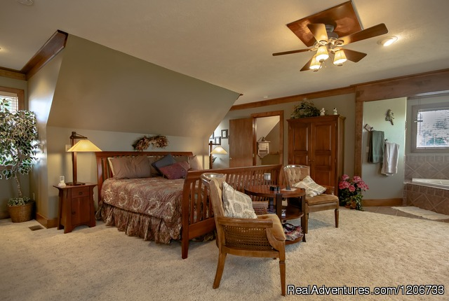 Prairie Suite - Romantic Get-away at the Dickey House B&B