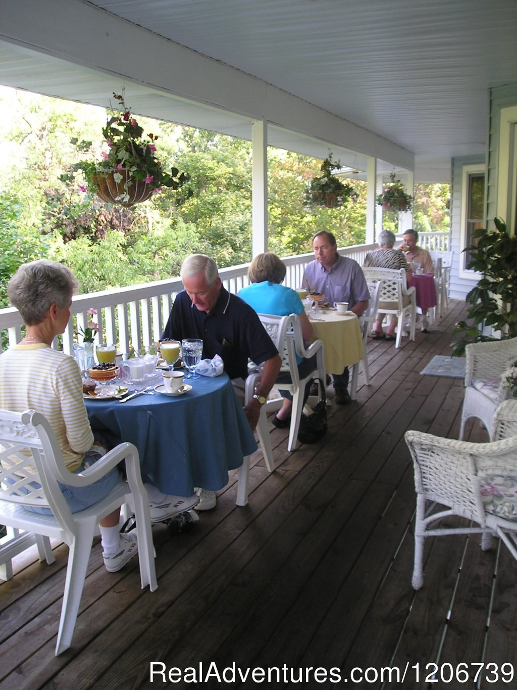 Breakfast on the Veranda | Image #2/7 | The Ultimate 4-Course Gourmet Breakfast