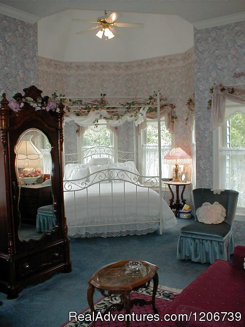 The Rose O'Neil Suite - The Perfect Romantic Get Away