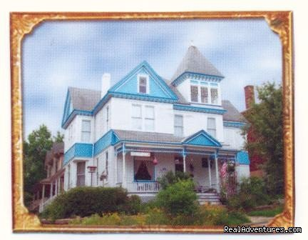 Image #1/1 | Hannibal, Missouri  | Bed & Breakfasts | Hannibal Garden House Bed & Breakfast