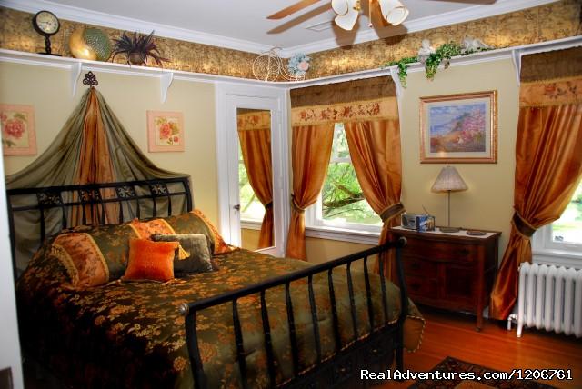 Emerald Rose room - Inn on Crescent Lake