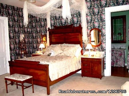Victorian Rose Chamber (#4 of 10) - Reagan's Queen Anne Bed and Breakfast
