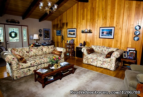 Our Great Room - Luxury Bed and Breakfast Suites on Table Rock Lake