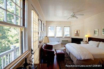 The Inn On First, Historic bedroom | Image #2/4 | Romantic Getaway in Napa