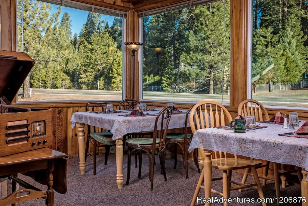 Dining Area | Image #7/8 | Great lodging & dining near Lassen National Park