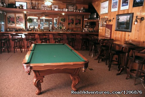 Tavern with pool table - Great lodging & dining near Lassen National Park