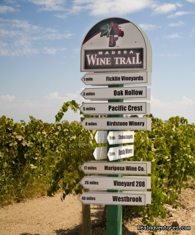 Madera Wine Trail directional sign (#1 of 8) - Madera Wine Trail