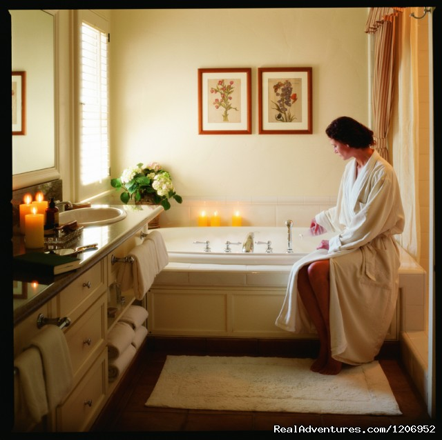 Guestroom Bath - Bernardus Lodge