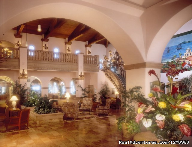 Lobby - Embassy Suites Mandalay Beach Hotel & Resort