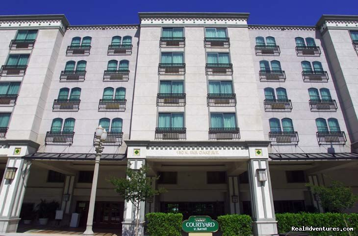 The Courtyard by Marriott LA Pasadena/Old Town is located in the heart of Old Pasadena. This Southern CA jewel of the Los Angeles area has everything you want in a modern but historic city. Home of the annual Tournament of Roses Parade & Rose Bowl.