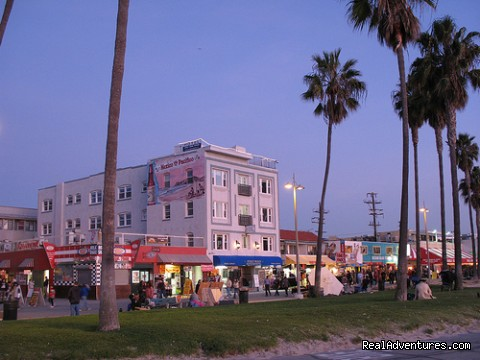 Venice Beach Suites & Hotel: Venice Beach Suites & Hotel, view from the beach