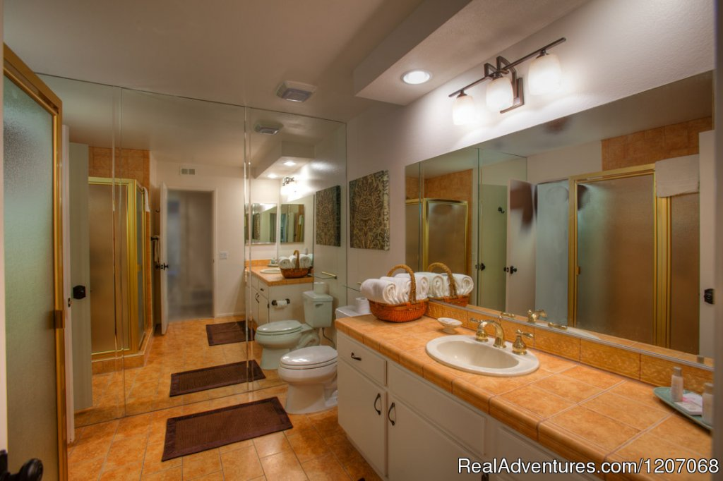 Spacious Guest Bath | Image #7/8 | Sinful Seclusion in Uptown- Palm Springs TOT3100
