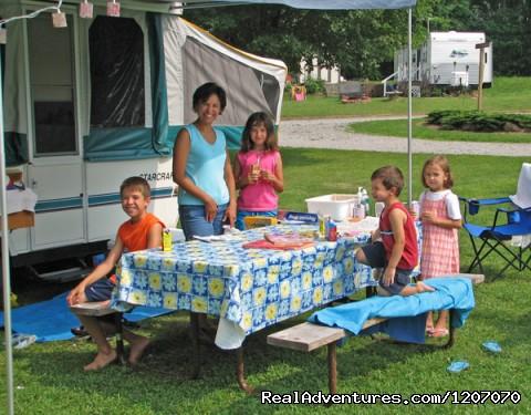 Image #2 of 20 - Family Camping Yogi Bear's Jellystone Park Florida