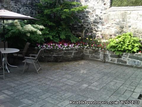 Courtyard garden (#6 of 6) - Old Quebec elegant small hotel