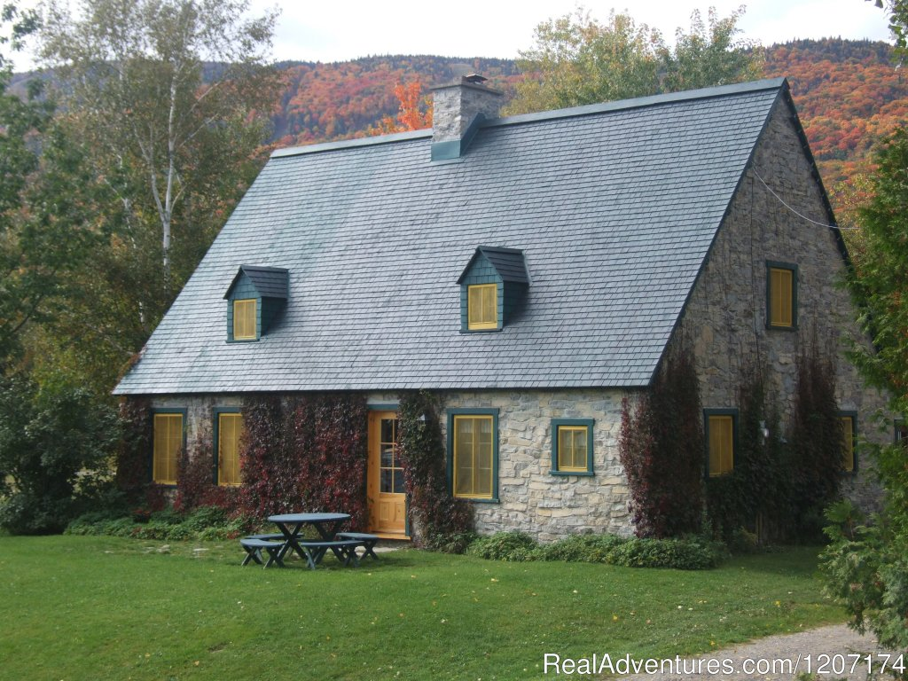 Fall is coming up et the Ricard House. | Image #3/13 | Large Country Homes rental near Quebec City Canada